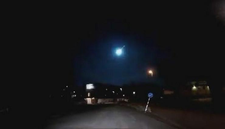 plava svetlost, meteor, Švedska