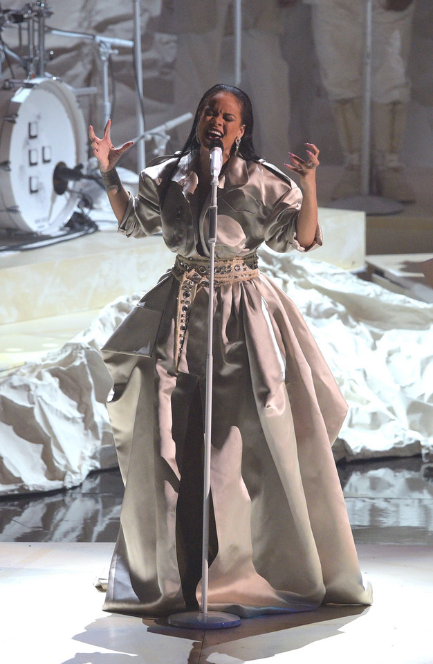 MTV Video Music Awards 2016: Rihanna