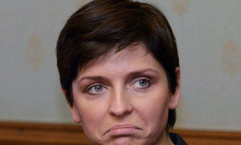 Kolejna wpadka minister fryzjernictwa Muchy!
