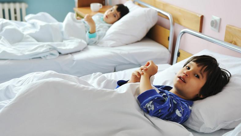 W pewnych przypadkach szpital może obciążyć rodziców kosztami leczenia dziecka