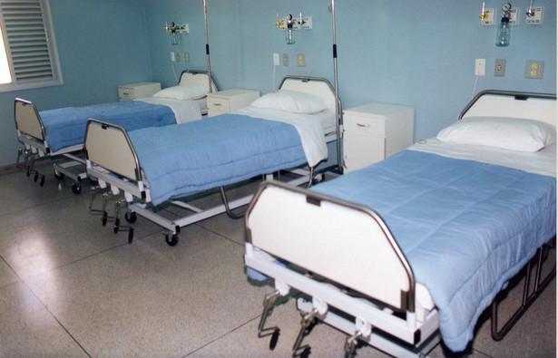 Dwadzieścia sześć dolnośląskich szpitali szpitali powiatowych już ograniczyło lub całkowicie wstrzymało przyjęcia.