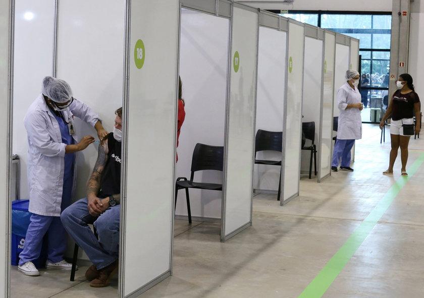 Szczepienia w Kurytybie. Brazylia ma 210 mln ludzi do zaszczepienia
