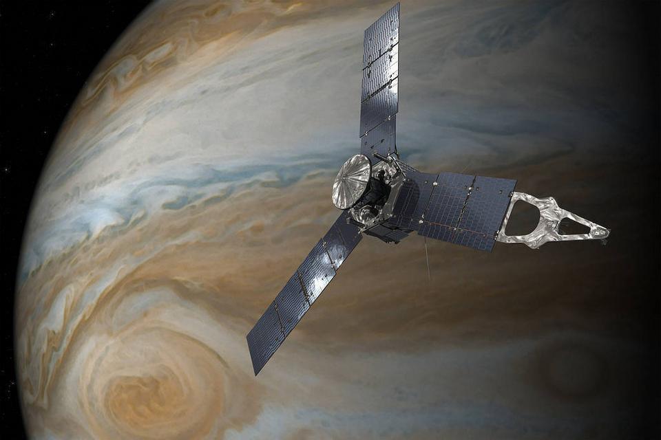 """NASA publikuje zdjęcia """"twarzy"""" na Jowiszu"""