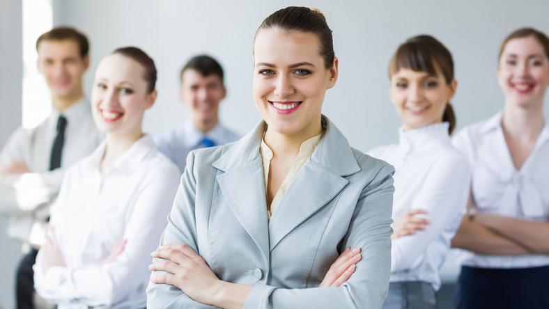 Przybywa kobiet na stanowiskach zarządzających