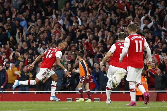Obamejang je doneo tri boda Arsenalu
