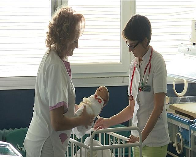 """Lekari u Zdravstvenom centru """"Studenica"""" odmah su konstatovali da je reč o devojčici, staroj najviše 48 časova"""