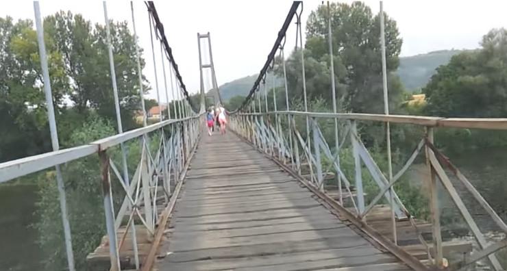 viseci most bagrdan vojska foto Youtube gpbrzan