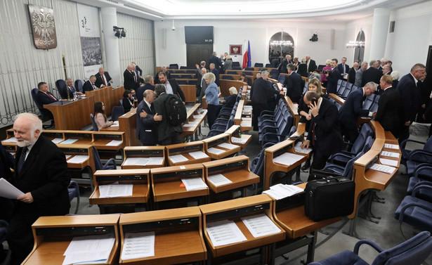 - Niekoniecznie musi być też tak, że 12 listopada zostanie wybrany marszałek - twierdzi Krzysztof Sobolewski