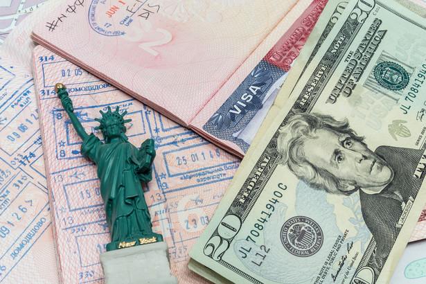 Wyższe zarobki to główny powód, który skłania 78% osób rozważających wyjazd do szukania pracy za granicą.