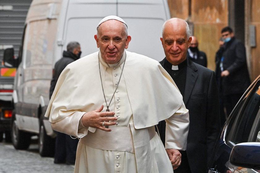Papież Franciszek przeszedł operację. Nowe informacje o jego stanie zdrowia