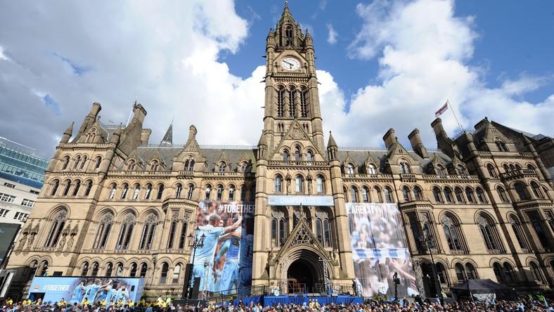 Budowany za petrodolary Manchester City wywalczył tytuł mistrza Anglii, trzeci w historii klubu.