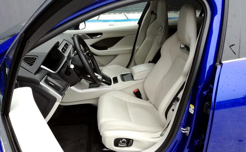 Jaguar I-Pace - takie lekkie fotele to wydatek 8550 zł