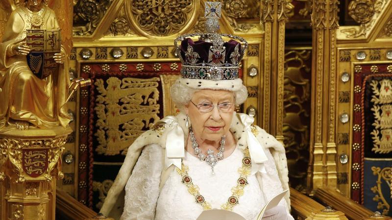 elzbieta II still  PAP EPA