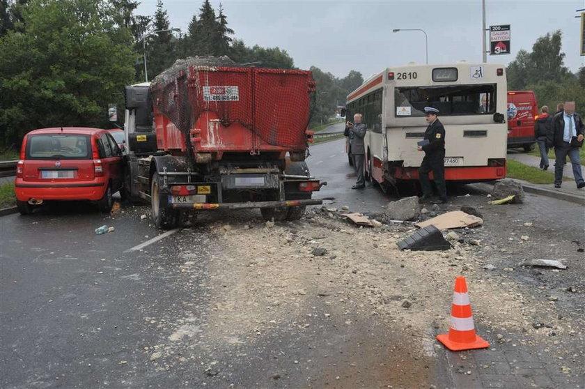 Wypadek autobusu w Gdańsku. 14 osób rannych