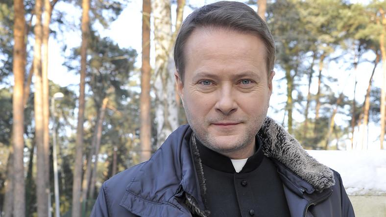 """Artur Żmijewski w serialu """"Ojciec Mateusz"""""""