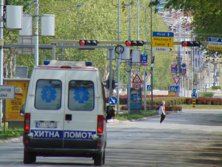 Hitna pomoć na Bulevaru Nemanjića u Nišu