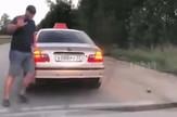 YT_Ruski_taksista_izbacuje_putnika_vesti_blic_safe