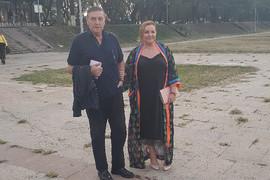 """""""NAVIKAO SAM DA NOSIM KOVERTE"""" Mrka i Ana došli na venčanje, pa poručili da će pevati i lomiti čaše (VIDEO)"""