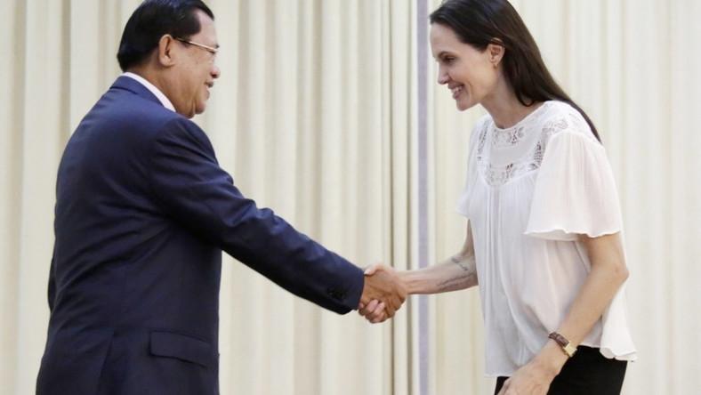 Aktorka spotkała się z premierem Kambodży w sprawie...