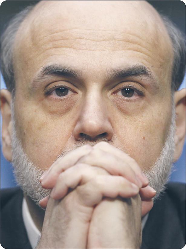 Szef Fed Ben Bernanke realizuje bezprecedensowy program osłabiania wartości amerykańskiej waluty. Tani dolar sprzyja amerykańskim przedsiębiorcom, ale szkodzi interesom Europejczyków Fot. AP