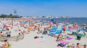 Turystów nad morzem coraz więcej, ale liczba przestępstw spada