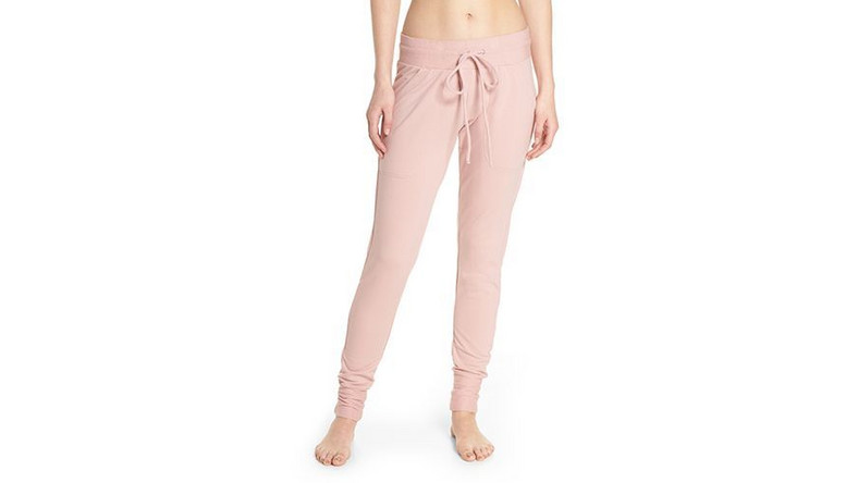15 Chic and Comfy Sweatpants You'll Wanna Live In