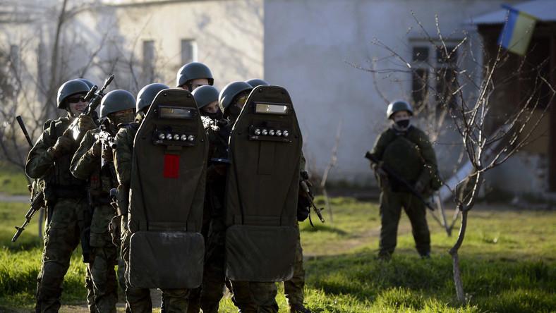 Gdy termin ultimatum minął, do szturmu ruszyli regularni żołnierze, wspierani przez kozaków i transportery opancerzone