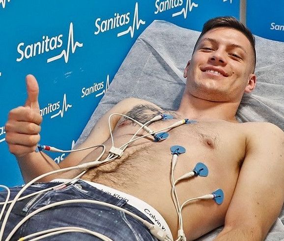 Luka Jović na lekarskim pregledima u Real Madridu