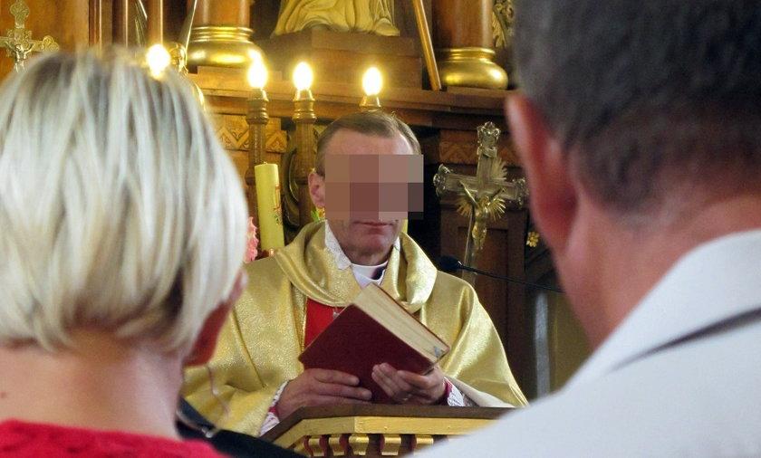 Ksiądz się obraził na parafian