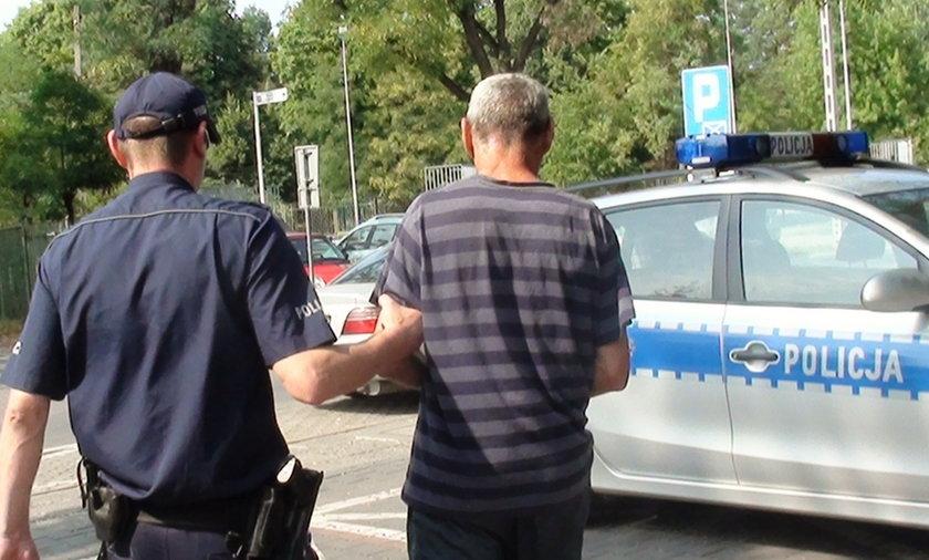Policjanci złapali fałszywego dekarza. Trójce zatrzymanym grozi 10 lat więzienia