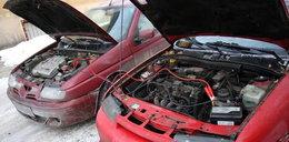 """Odpalanie """"na pych"""" uszkodzi silnik. Lepiej..."""