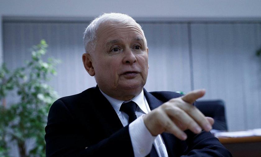 W rozmowie z agencją Reuters prezes PiS Jarosław Kaczyński zadeklarował, że jest w stanie zaakceptować zmniejszenie tempa wzrostu gospodarczego, jeżeli będzie to cena za wdrożenie jego wizji Polski.