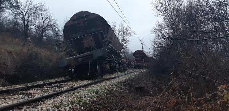 Prevrnut vagon u Rakovici