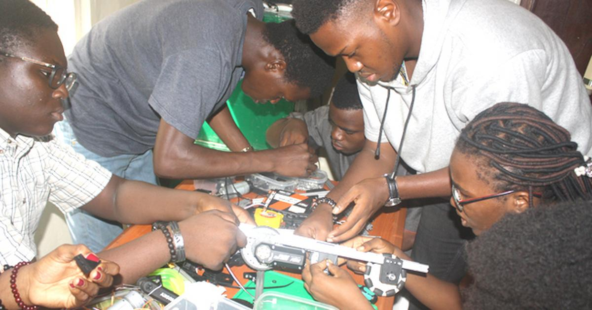 Xenophobia: Nigerian students cancel trip for Robotics Competition in South Africa - Pulse Nigeria