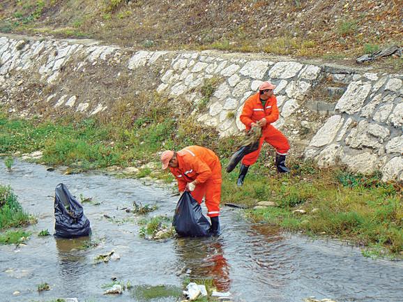 I pored truda onih koji redovno čiste, nesavesni pojedinci prljaju reke