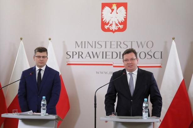 """Marcin Warchoł i Michał Wójcik nazwali raport NIK """"gigantyczną manipulacją"""""""
