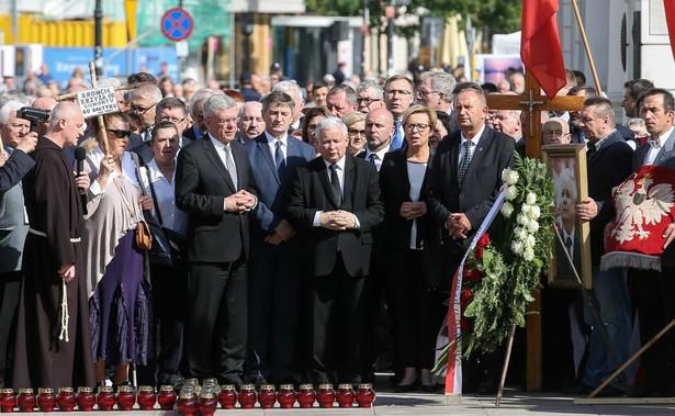 """""""Jaki jest cel tego, żeby przeszkadzać tym osobom, które od 86 miesięcy to robią, a ci państwo, którzy przeszkadzają pojawiają się w ostatnich pięciu czy sześciu miesiącach"""" - powiedział Łapiński."""