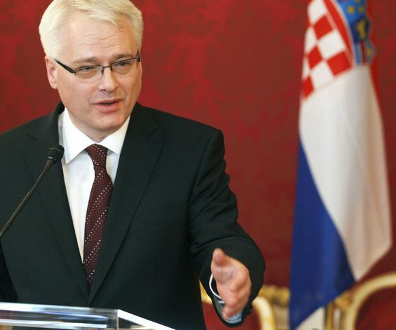 Udruženja ne smeju da šire netoleranciju, kaže Josipović