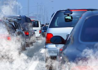 Komisja Europejska łagodzi stanowisko w sprawie emisji spalin