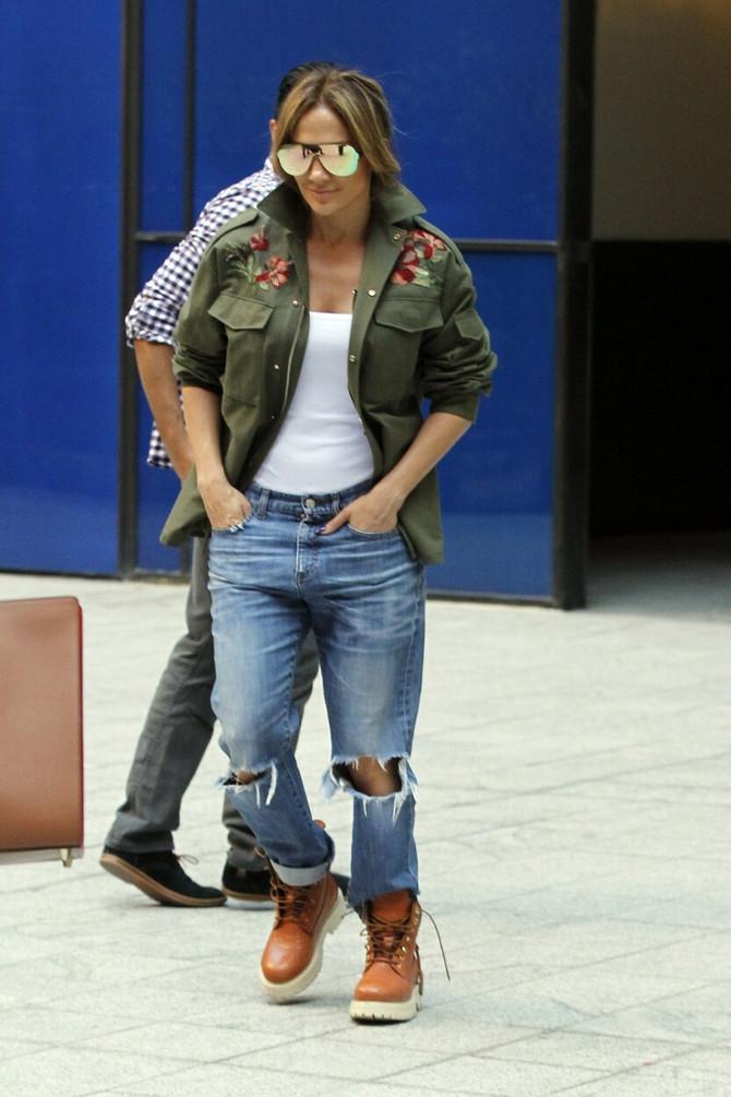 Dženifer Lopez preferira i ulični stil kao i seksipilne glamurozne modele