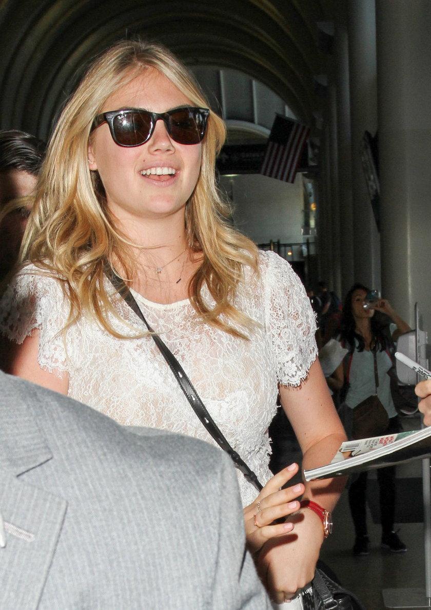 Kate Upton na lotnisku w Los Angeles
