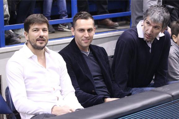Šćepanović u društvu Miloša Vujanića i Predraga Drobnjaka