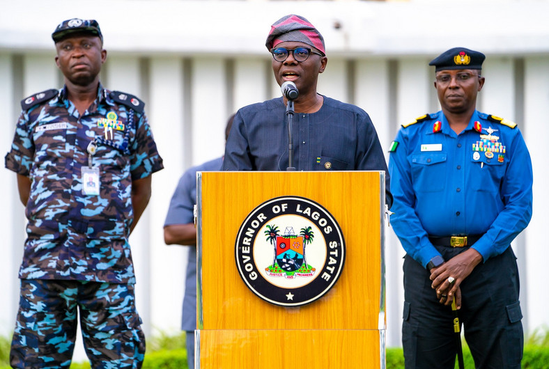 Governor Babajide Sanwo-Olu addresses the press during a briefing [Twitter/@jidesanwoolu]
