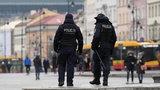 Czy policja będzie chodzić po domach w Wielkanoc i spisywać gości? Jest krótka odpowiedź!