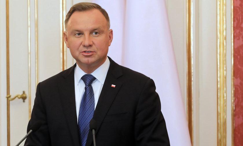 """Andrzej Duda nie ma wątpliwości. """"Nie możemy zamknąć kopalni Turów""""."""
