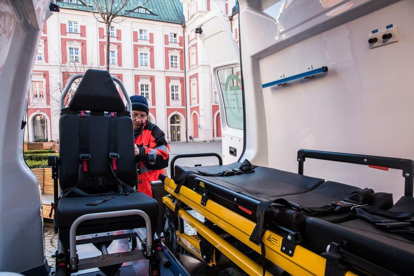 Nowa karetka dla szpitala Degi
