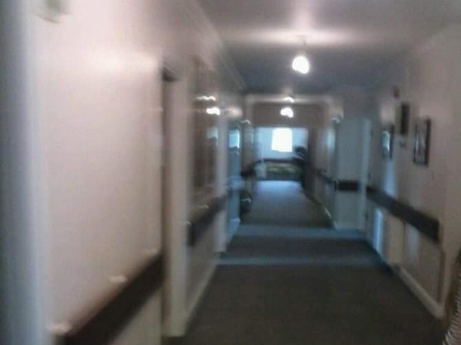 Provodila sam poslednje sate sa ocem u bolnici: Onda sam u hodniku videla OVO i par sati kasnije tata je umro