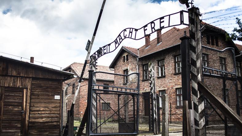 Była więźniarka obozu Auschwitz porównuje zarząd muzeum do ''nazistowskich kapo''.
