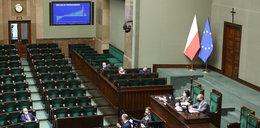W Sejmie debata o budżecie, minister finansów nieobecny. Opozycja oburzona