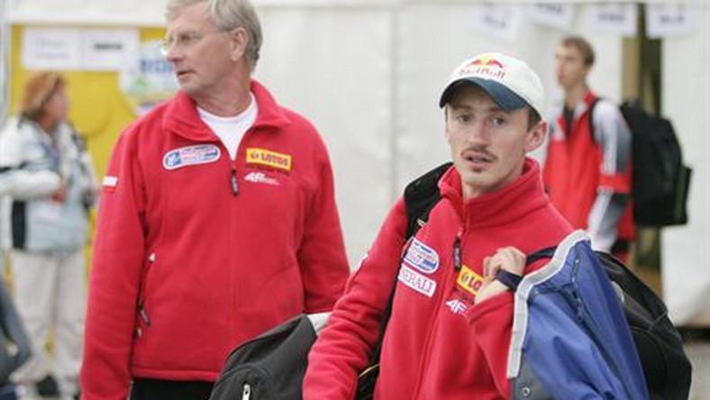 skoki narciarskie letnie grand prixeinsiedeln - kwalifikacjen/z trener hannu lepistoe (L) adam malysz18/08/2007fot. alex domanski / contrast